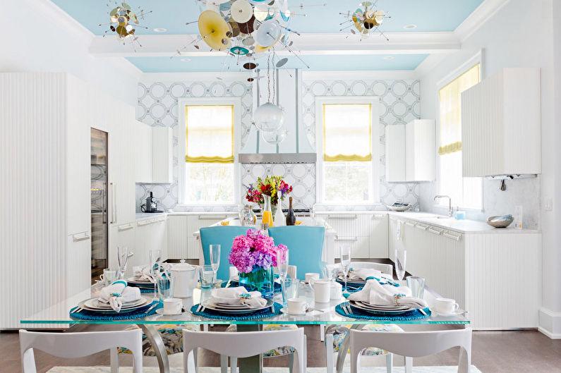 Бело-синие обои для кухни - дизайн фото