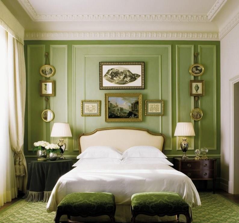 Дизайн маленькой спальни в классическом стиле - фото