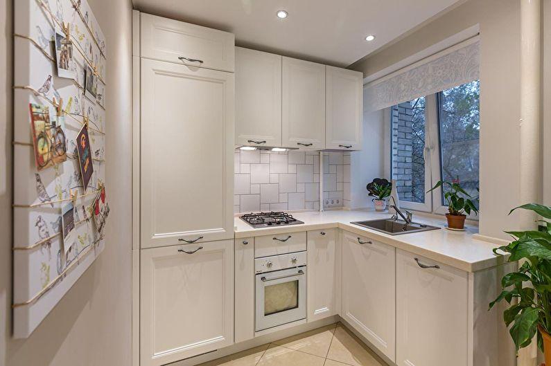 Белая кухня в двухкомнатной квартире-хрущевке - дизайн интерьера
