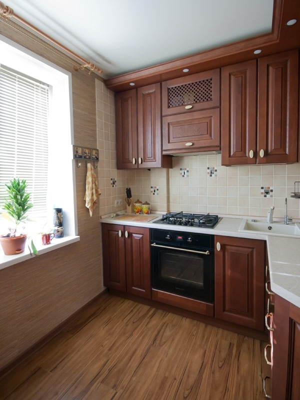 Кухня в хрущевке из дерева - дизайн интерьера