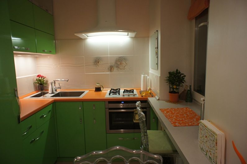 Зеленая кухня в хрущевке - дизайн интерьера