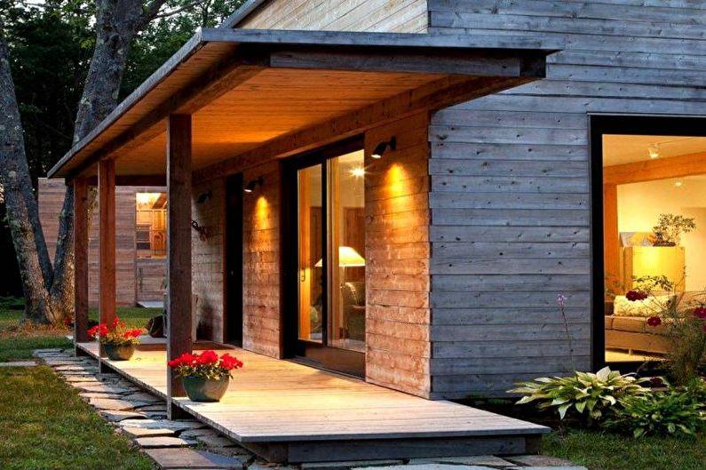 Оформление крыльца из дерева для частного дома - фото