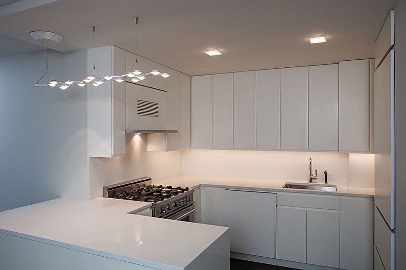 Дизайн кухни 3 на 3 метра - Отделка потолка