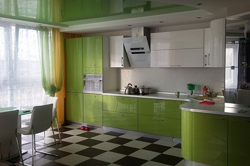 Дизайн бело-зеленой кухни - Отделка пола