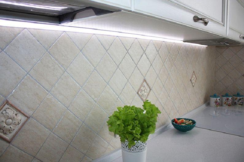 Отделка рабочей стены на кухне - Керамическая плитка