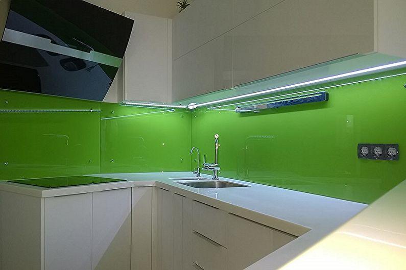 Отделка рабочей стены на кухне - Стеклянная поверхность