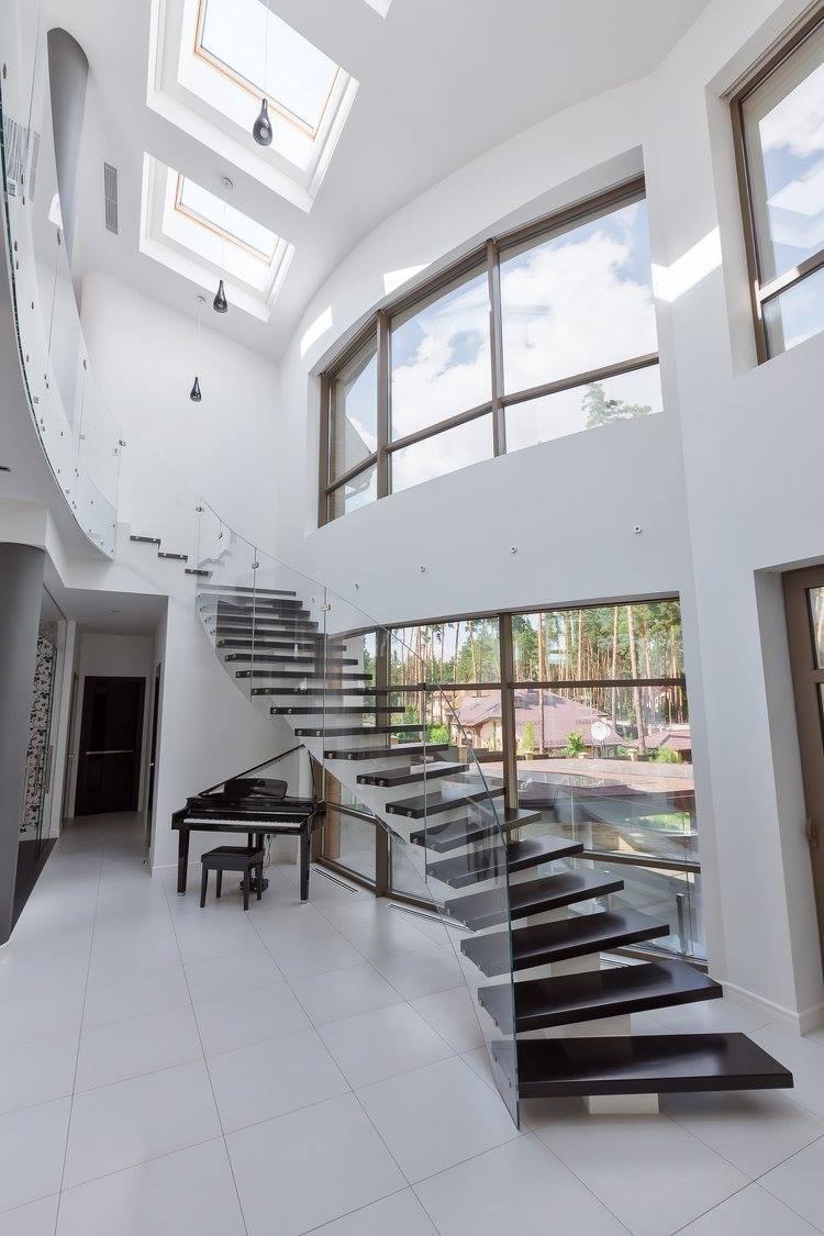Интерьер загородного дома в черно-белой гамме - фото 30